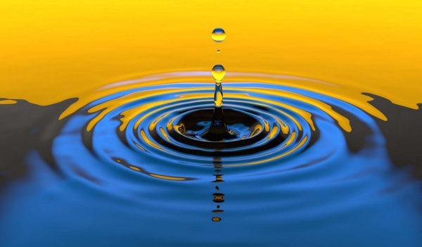 blue and yellow water drop ripple